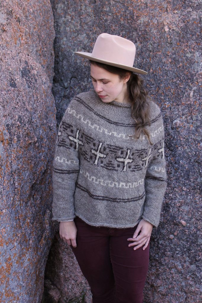 Diné Motif for Rug Sweater (free & knit)
