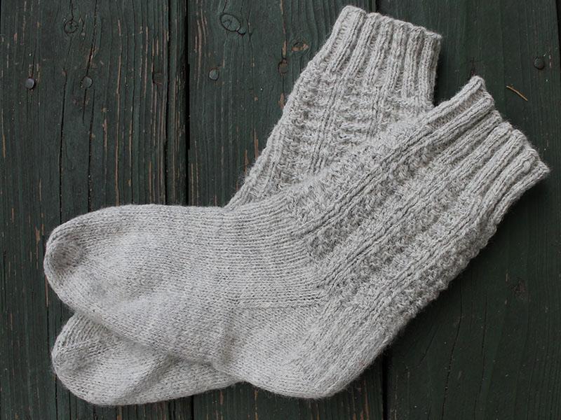 Barn Socks (knit)